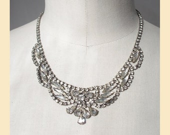 Vintage 1950s necklace in diamante with clear crystal stones set in silver-tone metal, statement necklace, adjustable length
