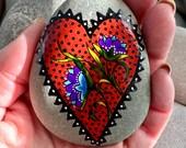 believe in love / painted rocks / painted stones / painted  rocks / rock art / paperweights / rocks /hand painted rocks / rocks /stones