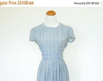 25% OFF SALE 90's Vintage Dress, Blue Floral Dress,