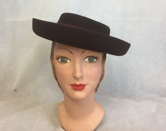 1940s brown felt breton hat