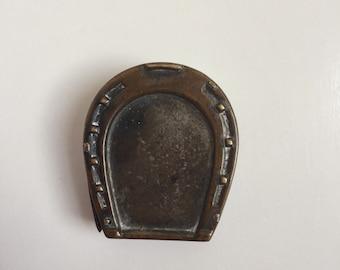 Antique horse shoe vesta match safe
