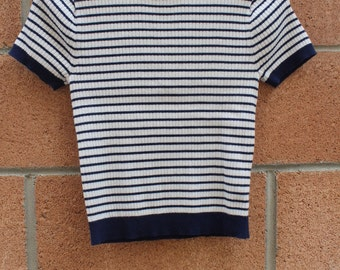 Size small stripe top with red collar detail