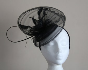 Black Fascinator Hatinator with a wave of pleated crin on a Band Weddings Races,Ascot,Kentucky Derby, Melbourne Cup