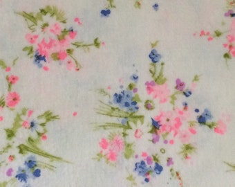Flannel Fabric / Vintage Flannel Floral / Pink Floral Fabric