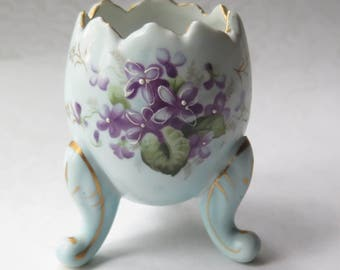 Ceramic Easter Egg Vase Hand Painted Purple Violets Footed Gilt Trim Made in Japan Parma AAI Vintage Easter Spring Decor Egg Planter