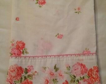 Fashion Manor Pink Roses Vintage Sheet Muslin Penn Prest Standard Pillow Case Sheets