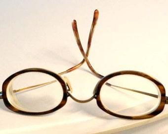 Vintage Tortoise Shell Oval Eye Glasses Gold