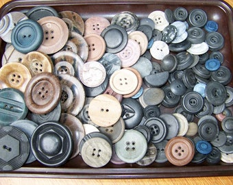 """Lot of 115 Antique Composition Buttons Craft Buttons 5/8"""" - 1 3/8"""" Shanks & Sew Thrus"""