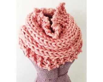 HERMOSA COWL in Dusty Rose - Hand Knitted Neckwarmer Cowl Circle Infinity Scarf, extra chunky knit mauve cowl, cowl in rose pink