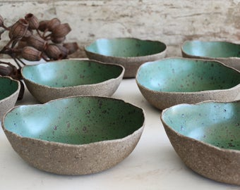 ON SALE (Last one) - Rustic Green Bowl - Breakfast Bowl - Ceramic Bowl - Pottery Bowl - Cereal Bowl - Speckled Bowl - Green Ceramic Bowl