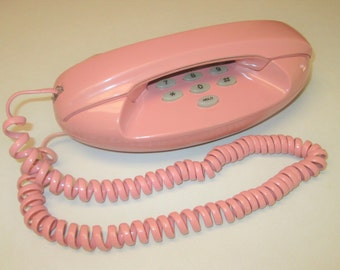 Unusual Vintage Pink Princess Touch Tone Desktop Telephone. Manta by TeleQuest 1970's retro style