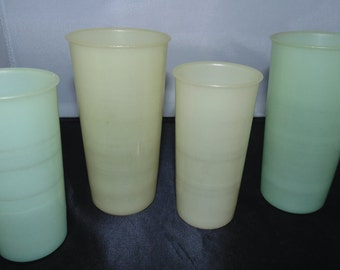 Vintage 1960s Lot 4 pastel Tupperware 6 oz 8 oz tumblers cups #117 #116
