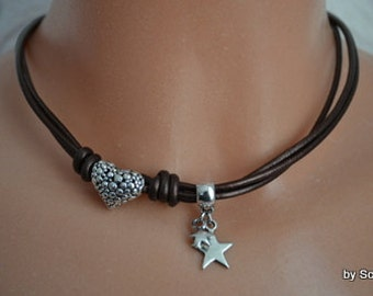 Leather necklace with hearts and stars