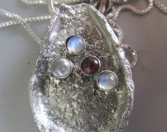 Silver Pendant with Moonstone  and Garnet