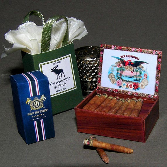 A touch of class, DIY kit from paper in miniature for the Doll House, Doll House, dollhouse miniatures