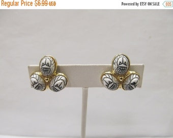 On Sale Vintage White Plastic Scarab Earrings Item K # 2076