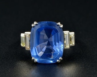 Authentic Art Deco 12.10 Ct no heat sapphire and diamond platinum ring