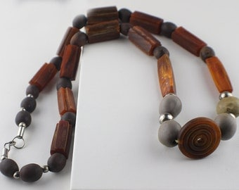 1970s Vintage beaded Necklace in a Mix of Brown and Grey