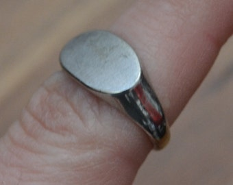 Nice antique edwardian / art deco sterling silver signet ring / pinky ring / rhodium plated ring / NMWJJW