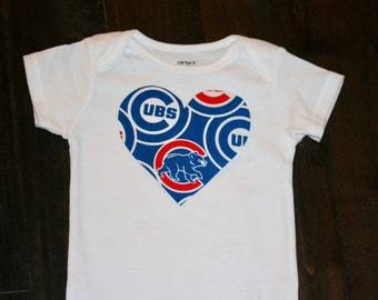 Chicago Cubs Girls heart onesie / bodysuit - MLB baby shower gift - Chicago Cubs Baby