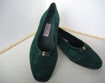 1980s TALBOT'S Women's Shoes Hunter Green Suede Flats Grosgrain Ribbon SIZE 5M Unisa Designer Wonderful Condition Emerald or Forest Green