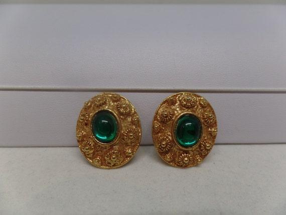 Fabulous Vintage Green Cabochon Etruscan Inspired Earrings
