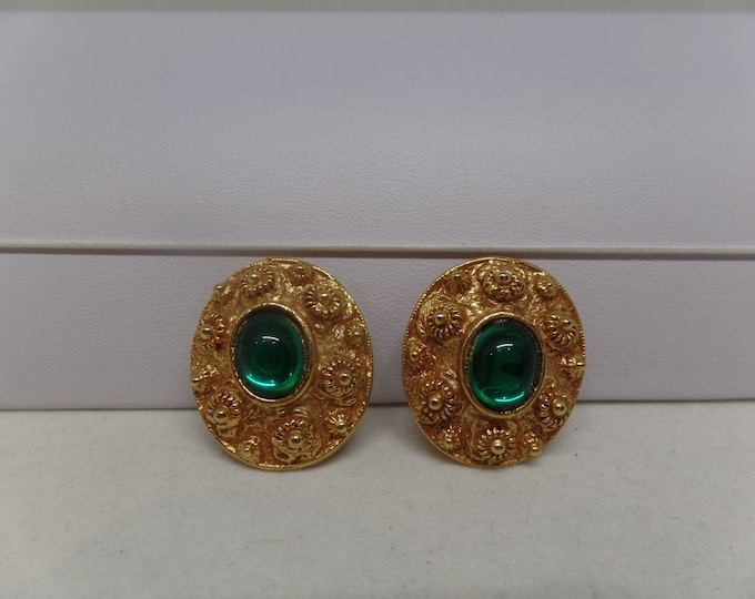 Fabulous Vintage Green Cabochon Etruscan Inspired Earrings
