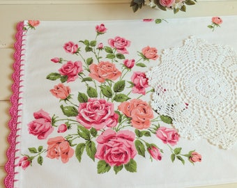 vintage pretty roses table runner