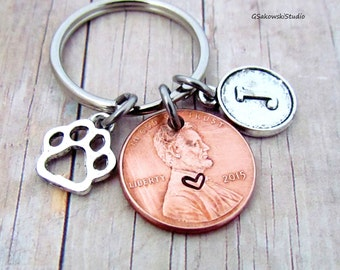 Pet Paw Print Charm Penny Personalized Initial Keychain, Customized Pet Memorial Penny Keyring,