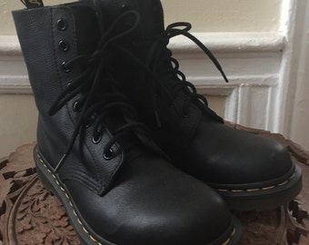 Vintage in like new condition Doc Martens