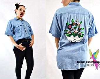 VTG 90s, Vintage, 1990s, Button Up, Light Denim, Soft, Boyfriend Fit, Denim Shirt w/ Floral Ribbon Applique, Stone Washed Chambray - Size M