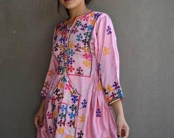 Tribal Balochi Afghani dress pink ethnic embroidery Afghanistan Baloch purple colourful hand stitching mirrors traditional cultural tunic