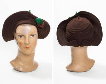 ART DECO 1930s Garden Lane Chocolate Brown Ribbed Wool Hat with Green and Brown Feather Accents // Myrna Loy // Joan Crawford //