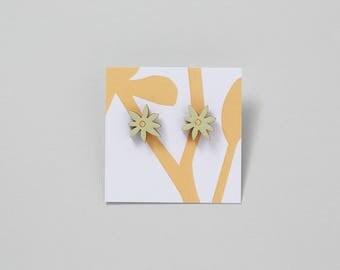 Wooden Flower Earrings - Celandine style
