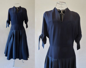 Navy Crepe and Taffeta Dress With Full Skirt - 1950s
