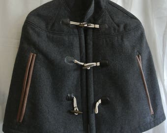 Ladies capelet - vintage wool shrug/ short cape coat- grey with toggle buttons and hand slits, lined
