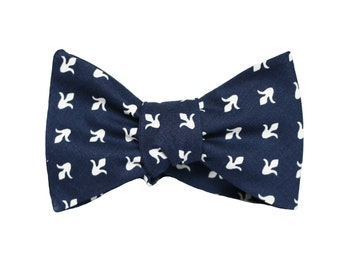 Navy Blue Fleur de Lis Bow Tie / Men's Bow Tie / bowties /Ties For Men /Gifts For him/spring ties/ wedding bow ties/ holiday gifts for men