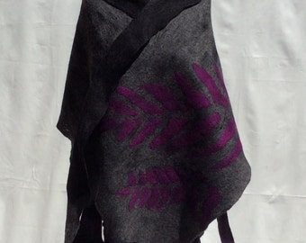 Merino wool scarf .