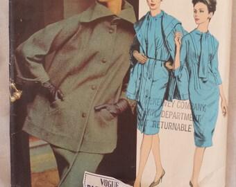 Vintage Vogue  Paris Original Designer Gres Pattern #2697 size 16