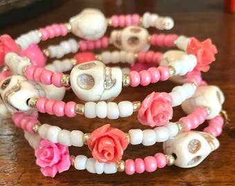 Pink & white memory bracelet with roses and skulls