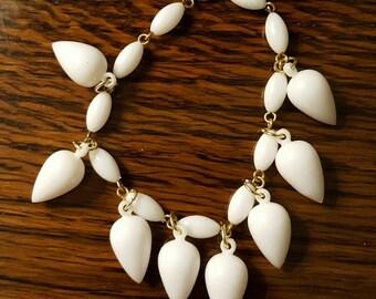 1960s Teardrop Bracelet White