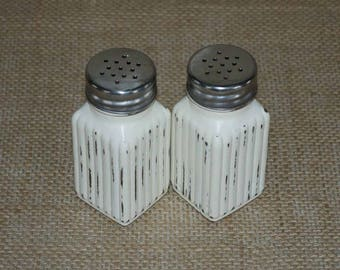Salt and Pepper Shakers, Ivory Shaker Set, SHABBY CHIC Salt & Pepper Shakers, Wedding Decor, Hand Painted, Distressed