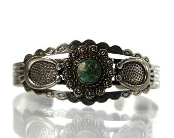 Fred Harvey Era Cuff Bracelet In White Metal With Turquoise