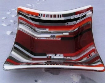 Red Transitions Fused Glass Bowl