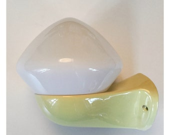 Vintage Ifö kitchen/bathroom wall lamp in a beautiful yellow