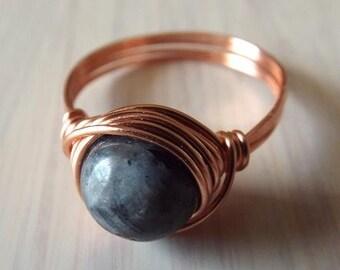 Norwegian Labradorite Ring, Copper Labradorite Ring, Copper Wire Ring, Labradorite Jewelry, Wire Wrapped Ring, Gift for Mom, Gray Stone