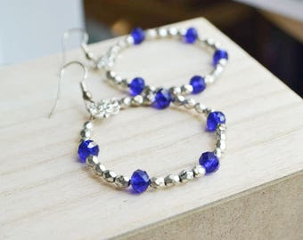 small hoop earrings - silver and sapphire - Round boho earrings - Ethnic earrings - chic - Evening
