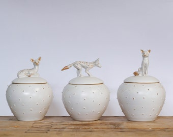 Beautiful handmade lided jar with a hand sculpted animal/ ceramic miniature deer scultpure/ lided vessel/ lided jar/ matte white and gold