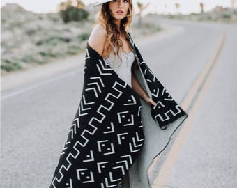 Cotton Knitted Throw Blanket - Desert Modern - Black and Ivory - Made with 80% Regenerated Cotton Fibers