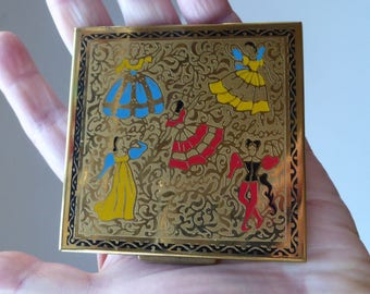 Very Cute Little 1950s Vintage British Loose Face Powder Compact. Decorated with Little Figures Highlighted with Bright Enamels